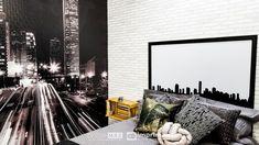 """Saiba como decorar um ambiente de maneira prática e rápida sem gastar muito! Terceiro episódio da série """"PROJETO CRIATIVO"""" A Imprimax forneceu espaço e materiais para que arquitetos e design de interiores esbanjassem sua criatividade, mostrando as possibilidades da utilização de vinil autoadesivos na decoração. Veja o projeto criado pela arquiteta e urbanista JANAINA BARBOSA E Design, Tapestry, Home Decor, Architects, Environment, Creativity, Log Projects, Hanging Tapestry, Tapestries"""