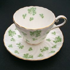 Aynsley White Green Shamrocks Tea Cup & Saucer Gold Trim Clover Bone China Swirl