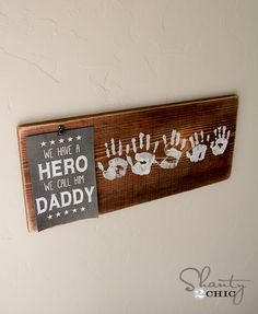 "Fathers Day Gift Free Printable-with everyone's handprint for dad...they have a printable for ""papa!"""