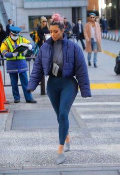 Kim Kardashian out in Tokyo Japan/ march 2018 Robert Kardashian, Khloe Kardashian, Kardashian Kollection, Kardashian Fashion, Kris Jenner, Kendall Jenner, Kylie, Yeezy Outfit, Teen Choice Awards