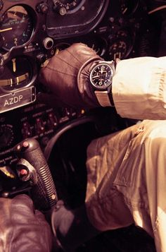 pilot HOTTTness!!..pressing all the right buttons :-)