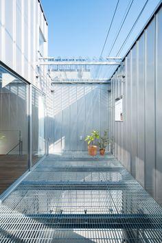 yuji kimura designs factory-like house in chiba