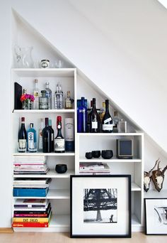 schmale r ume richtig gestalten bartisch stauraum und regal. Black Bedroom Furniture Sets. Home Design Ideas