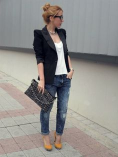 Get this look (blazer, jeans, pumps, purse) http://kalei.do/Wk4v8gTNRljVIORs