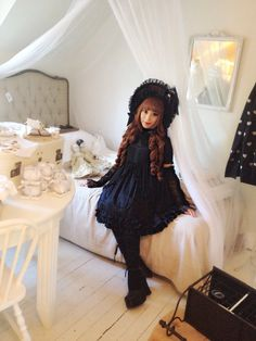 Vampire doll themed Gothic Lolita outfit