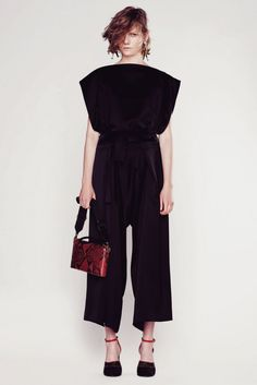 Marni Resort 2016 Fashion Show Fashion Show, Fashion Design, Jumpsuits For Women, Fashion Prints, Marni, Pretty Outfits, Vogue, Women Wear, Couture