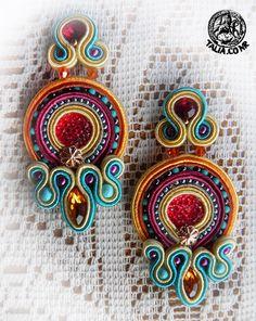 Soutache earrings Soutache Pendant, Soutache Earrings, Diy Earrings, Types Of Embroidery, Beaded Embroidery, Shibori, Beading Patterns Free, Crazy Colour, Silk Ribbon