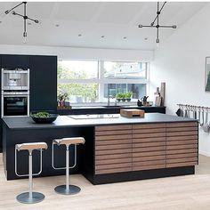 Scandinavian Home, Living Room Kitchen, Cool Rooms, Interior Inspiration, Corner Desk, Kitchen Island, Kitchen Design, Interior Design, Table
