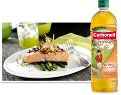 Carbonell Intenso, da sabor a tus platos Sushi, Salmon, Ethnic Recipes, Food, Olive Oil, Tasty, Ethnic Food, Dishes, Tomatoes