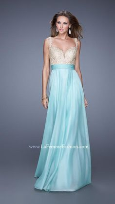 La Femme 20709 is a gorgeous chiffon gown that features a sweetheart neckline with a lace upper bodice and stunning lace straps. The waist belt will flatter your figure and look amazing at prom, a winter formal or pageant. Ombre Prom Dresses, Prom Dresses 2016, Dresses For Sale, Evening Dresses, Ball Dresses, Long Dresses, Party Dresses, Short Semi Formal Dresses, Wedding Dresses Plus Size