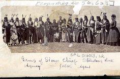 Группа вождей Стэндинг Рок. Третий слева - Bear Ribs II. Четвёртый справа - Thunder Hawk. Девятая справа - Mrs.Galpin. Восьмой слева - Running Antelope. Второй слева - Wolf Necklace. 1872-1880???