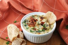 Bacon and Roasted Garlic Spinach Dip | Ruled Me @memymomegan