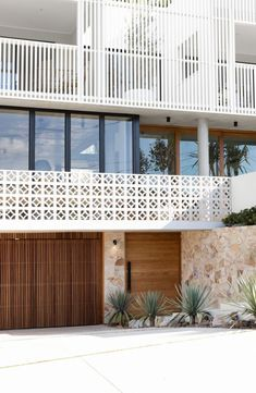 Amaroo is a stunning architectural home boating an incredible facade and amazing features throughout. Built over 3 levels, this beauty is a must-see. Facade Design, House Design, Railing Design, Breeze Block Wall, Facade House, House Facades, Modern Coastal, Mid Century Exterior, Mid Century House