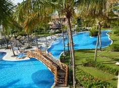 Majestic Elegance Punta Cana: Rooms surrounded by the blue pools