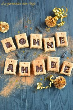 Happy New Year 2019 : Biscuits de Bonne Année Deco Nouvel An, Happy New Year Message, Illustration Noel, Illustrations, Happy New Year 2019, Merry Xmas, Happy Day, Cocoa, Goodies