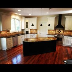 A recently-completed kitchen in Country Club Estates!