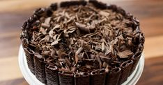 A chocolate cake too pretty to eat. Solution Gourmande, Chocolate Cake, Gluten Free, Sweets, Candy, Juliette, Desserts, Food La, Tv