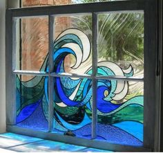 Ocean waves stained glass This is gorgeous! (I can totally see a set of windows, each with a different design that comes together to create a house-sized ocean scene. Stained Glass Flowers, Faux Stained Glass, Stained Glass Designs, Stained Glass Panels, Stained Glass Projects, Stained Glass Patterns, Leaded Glass, Glass Painting Patterns, Mosaic Art
