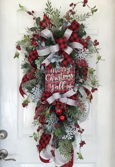56 Best Christmas Wreath With Buffalo Plaid Ribbon Ideas Christmas Wreaths Holiday Wreaths Christmas Decorations