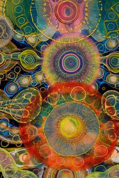 Bruce Riley is an imaginative artist from Chicago who uses resin with paint and improve techniques to capture stunning psychedelic works of art.