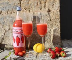 Das Erwachsenen-Getränk Nummer eins in diesen Tagen ist natürlich Erdbeerlimes. Der süße, fruchtige Drink eignet sich jetzt, in der Erdbeersaison, hervorragend als Aperitif, als Digestif und freilich auch mal immer weiterlesen...