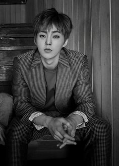 Xiumin (EXO) looks hot as heck wow so attractive