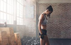 If you're looking to tighten your butt, tone your arms, and burn some major calories in the process, this workout is the perfect option. All you need is a set of dumbbells and 15 minutes!