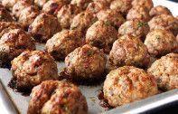 – Radio Namakwaland – Die beste in die weste. Minced Meat Dishes, Mince Dishes, Minced Meat Recipe, Eggless Recipes, Mince Recipes, Beef Recipes, Cooking Recipes, Savoury Recipes, Meatball Recipes