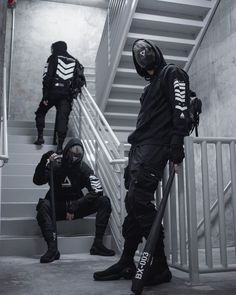 Mode Cyberpunk, Cyberpunk Fashion, Whats Wallpaper, Concept Clothing, Tactical Wear, Figure Poses, Boy Photography Poses, Mode Streetwear, Pose Reference