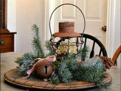 Il Natale è suggestivo anche per l'atmosfera che si crea in casa, piena di calore, di tonalità cromatiche che danno sul rosso nonché di invitanti profumi...