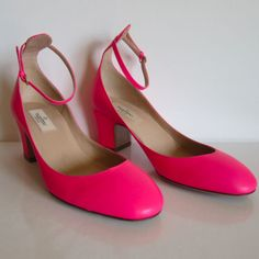 F-781137-Valentino-Tango-Maryjane-neon-pink-matte-leather-Marked-38-5-US-8-5