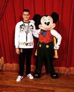 Mickey Meet & Greet  #meetandgreet #happy #disneyworld #magickingdom #lovemylife #magicnight #vacationtime #wdw #igers #luckyday #selfie #themostmagicalplaceonearth  #mickeymouse #mickey Instagram Lifestyle, Lucky Day, Magic Kingdom, Love Of My Life, Mickey Mouse, Disney Characters, Fictional Characters, Meet, Selfie