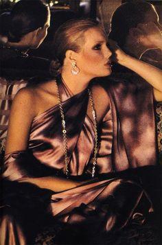 Patti Hansen, 1975 Seventies Fashion, 70s Fashion, Fashion Models, Vintage Fashion, Vintage Vogue, Vintage Glamour, Fashion History, Patti Hansen, Lauren Hutton