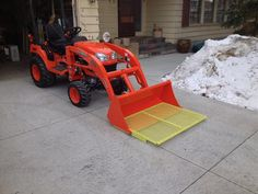 Click image for larger version. Name: Bucket Platform.JPG Views: 73 Size: KB ID: 16694 Jd Tractors, Small Tractors, Kubota Tractors, Compact Tractors, Compact Tractor Attachments, Snow Blades, Homemade Tractor, Tractor Accessories, Tractor Implements