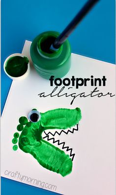 Alligator & Dinosaur Footprint Crafts for Kids - Crafty Morning. Art work for his playroom! Daycare Crafts, Classroom Crafts, Baby Crafts, Cute Crafts, Toddler Crafts, Preschool Crafts, Kids Crafts, Daycare Rooms, Jungle Crafts