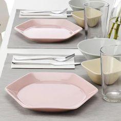 Ikea Dinnerware, Pink Kitchen Decor, Pink Plates, Kitchenware, Tableware, Serveware, Second Hand Stores, Color Glaze, Deep Dish