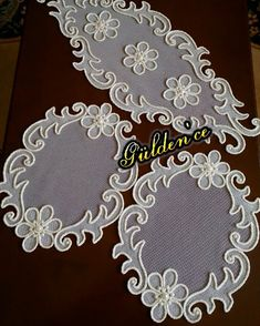 No automatic alt text available. Diy Embroidery Flowers, Cutwork Embroidery, Couture Embroidery, Hand Embroidery Designs, Embroidery Patterns, Diy Lace Doily Bowl, Lace Doilies, Burlap Flowers, Fabric Flowers