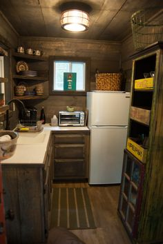 Small kitchen in the creekside cabin built in Blue Ridge GA. Tiny House Cabin, Tiny House Living, Cabin Homes, Small Cabin Kitchens, Cool Kitchens, Kitchen Small, Kitchen Ideas, Cottage Kitchen Interior, Kitchen Cabinet Styles