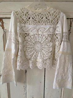 Crochet Lace Blouse _ Inspiration for altered or repurposed clothing! Love the poet sleeves, so romantic! Lace Doilies, Crochet Doilies, Crochet Lace, Freeform Crochet, Crochet Blouse, Cotton Crochet, Pull Crochet, Moda Boho, Altered Couture