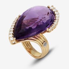alternative engagement ring for a real diva #pontevecchiogioielli #browndiamonds #amethyst