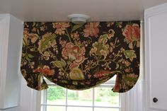 diy valance. Not exactly what I want but it's a great tutorial regardless.