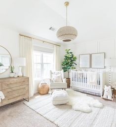 35 Gorgeous Baby Nursery Decor Ideas - Are you going to be bringing a little baby home from the hospital pretty soon? Hopefully you already have everything in order for the baby nursery.
