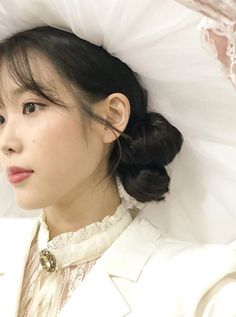 glow of a firefly Korean Star, Korean Girl, Korean Celebrities, Korean Actors, Sulli, Iu Fashion, Dye My Hair, Pretty Men, Perfect Woman
