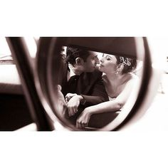 Quando um olhar diz tudo ❤ #ohhappydayfotografiadefamília #casamento #noivos #ensaio #amor #love #wedding #weddingphotography #fotografiadecasamento #casandoembh #casandocomamor #voucasarembh #noivasdebh #bride #bridal #destinationwedding #weddingparty #brideandgroom