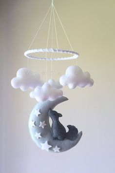 Baby Mobile – Kojote Mobile – Baby mobile Coyote – Mond mobile – Mond Wolken Mobile – Baby-mobile-Wolken – Best Baby And Baby Toys Baby Crafts, Felt Crafts, Diy And Crafts, Baby Mond, Coyote Moon, Baby Mobile Felt, Cloud Mobile, Mobile Mobile, Diy Bebe