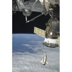 The space shuttle Endeavour is featured in this image photographed by an Expedition 22 crew member on the International Space Station soon after the shuttle and station began their post-undocking relative separation. Undocking of the two spacecraft occurr Hubble Space Telescope, Space And Astronomy, Nasa Space, Cosmos, Soyuz Spacecraft, Photo Voyage, Apollo 11, Space Race, International Space Station