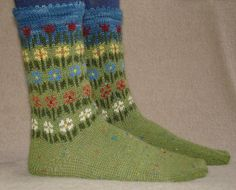 Ravelry: Longing For Spring Socks (german) pattern by Friederike Erbslein Crochet Socks, Knit Or Crochet, Knitting Socks, Hand Knitting, Knitted Hats, Crochet Pattern, Knit Socks, Wrist Warmers, My Socks