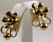 Vintage Gold Flower Screw Back Earrings ca. 1950
