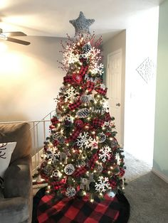 Best Black Christmas Tree Ideas in Christmas 2019 - Christmas Celebration - All . , Best Black Christmas Tree Ideas in Christmas 2019 - Christmas Celebration - All about Christmas. Creative Christmas Trees, Black Christmas Trees, Beautiful Christmas Trees, Christmas Tree Themes, Noel Christmas, Christmas 2019, Christmas Ideas, Xmas Decorations, Holiday Ideas