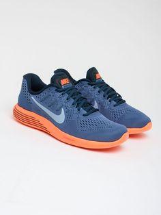 outlet store 77d20 cce0c Scopri Sneakers basse Men s Nike Lunarglide 8 Running Shoe Nike Running.  Approfitta delle migliori offerte